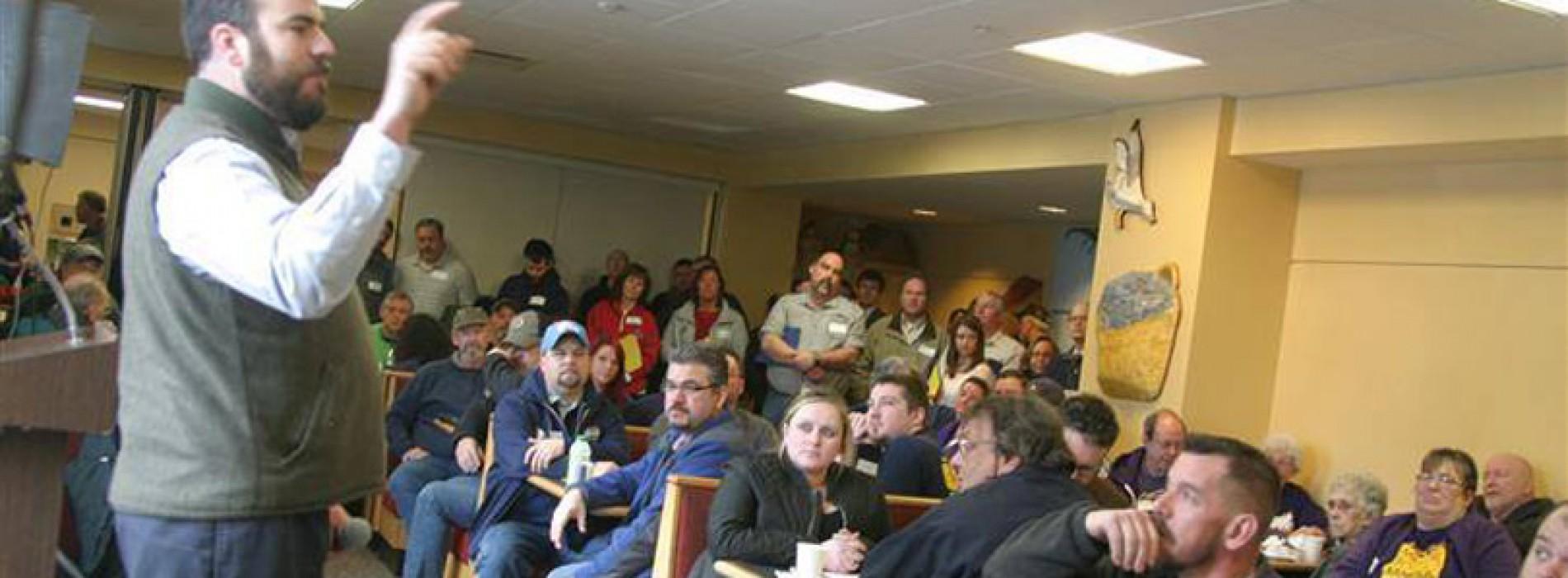 Maine AFL-CIO members lobby legislature for a clean minimum wage vote