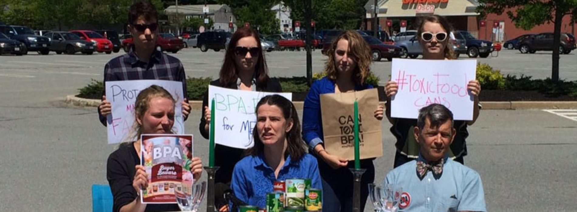 Shaws, Hannaford urged to act on products containing BPA